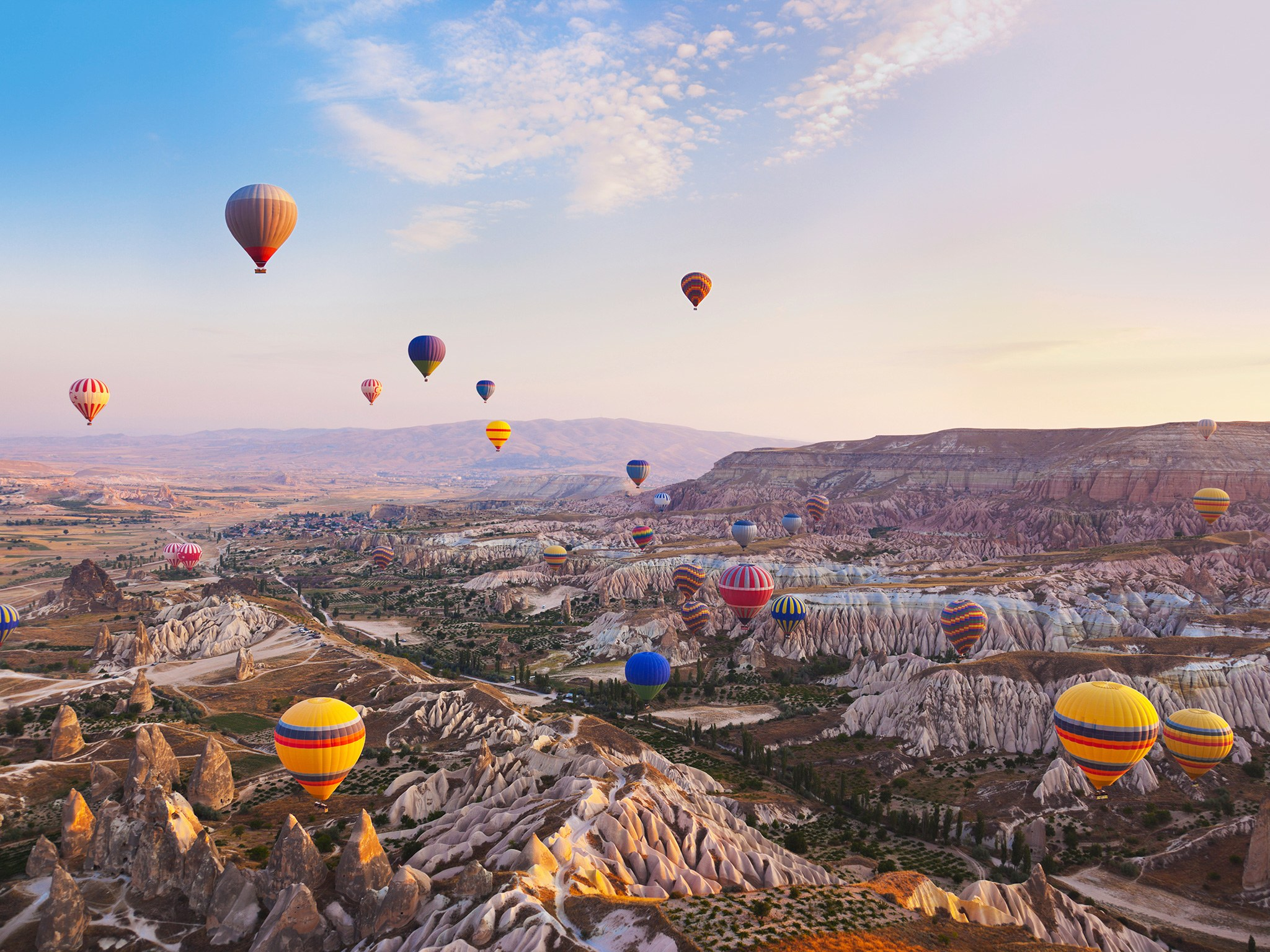 cappadocia-turkey-hot-air-balloons-cr-getty